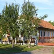 nepi-lakohaz-tiszakorod
